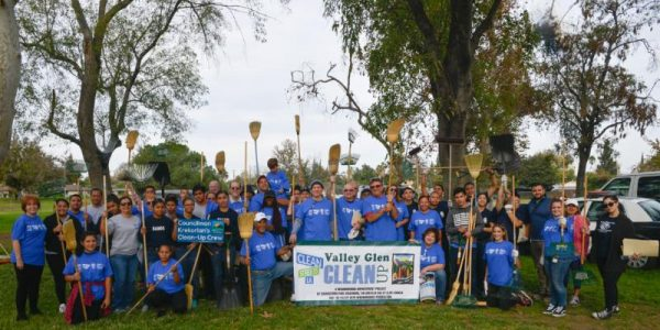 Community Cleanup Sweeps Valley Glen Community Park